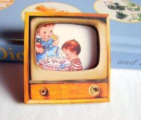 Birthday Party Boy And Girl With Cake - Television TV 3D Dimensional Pin Badge Brooch - Lg Chipboard Paper And Wood Decoupage Collage - Orange Blue Pink Polka Dots