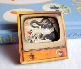 Circus Clown And Elephant Tea Party - Television TV 3D Dimensional Pin Badge Brooch - Lg Chipboard Paper And Wood Decoupage Collage - Orange Blue Pink Polka Dots